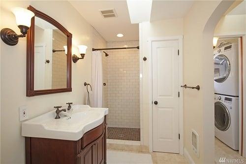 Kannin bathroom