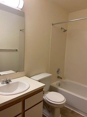 LB123 bathroom